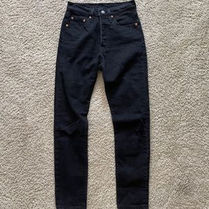 501 Skinny (Black), 100% cotton